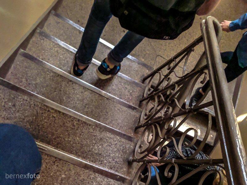 """""""Jei lankėtės Lukiškėse, kvapą atpažinsite"""" - teigė gidai, ir, išties, laiptai link kamerų pasižymėjo specifiniu kvapu..."""
