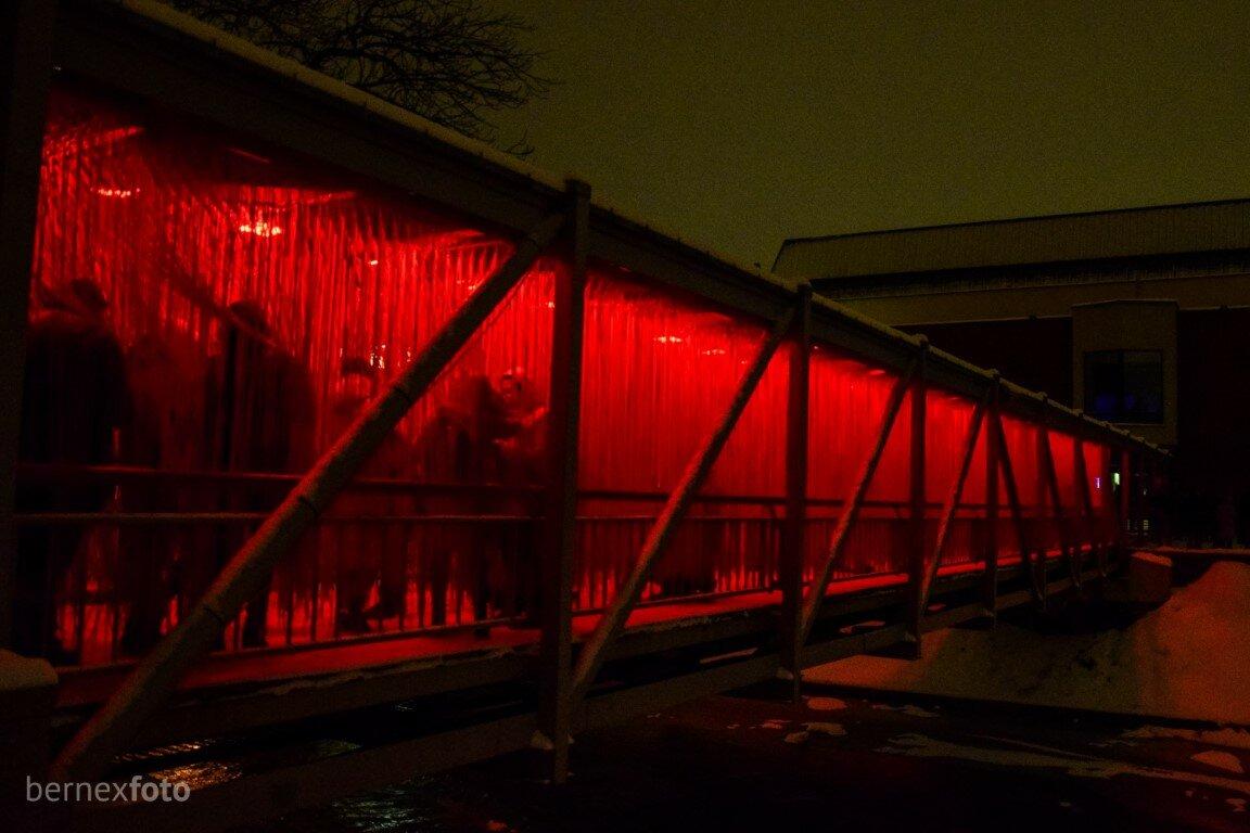 Virvelėmis ir apšvietimu pasipuošęs Fluxus tiltas - Vilniaus šviesų fesitvalis 2019